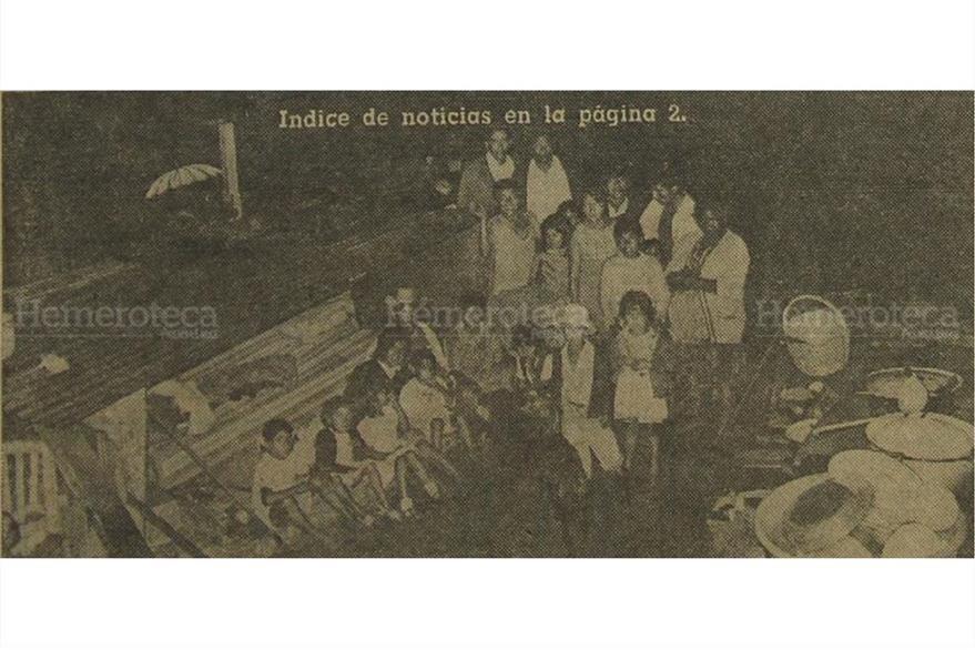 Refugiados en Izabal, durante el paso del Huracán Fifí, en septiembre de 1974. (Foto: Hemeroteca PL)
