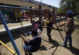 En el Hogar Rafael Ayua funcionan otras instituciones en beneficio de la niñez. (Foto Prensa Libre: Hemeroteca PL).
