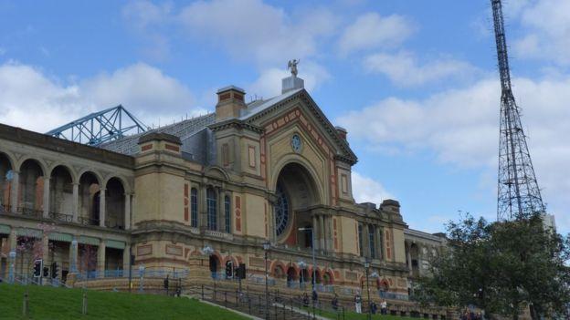 Las primeras transmisiones se hicieron desde Alexandra Palace, en el norte de Londres