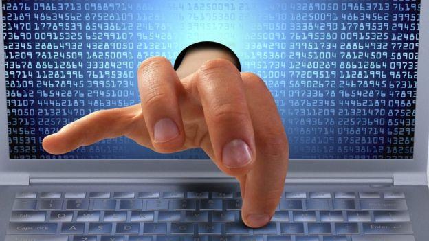 Lo más aconsejable es no abrir ni descargar adjuntos de fuentes en las que no confiemos. (KAPTNALI)