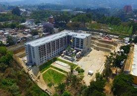 El proyecto habitacional está ubicado a un costado de la Universidad Rafael Landívar, zona 15. (Foto Prensa Libre: Álvaro Interiano)