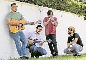 Francisco Páez, Rodolfo Hernández, Jacobo Nitsch y Leonel Hernández, preparan grandes sorpresas para los seguidores de la banda. (Foto Prensa Libre: Keneth Cruz)
