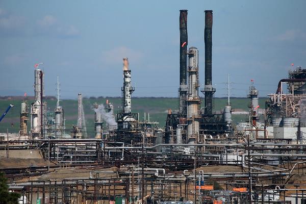 Las reservas de petróleo subieron 10.3 millones de barriles a 444.4 millones. (Foto Prensa Libre: AFP)