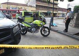Víctima atacada a balazos en el Parque Colón trabajaba como piloto de mototaxis. (Foto Prensa Libre: Érick Ávila)