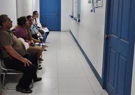 Pasillo donde se registró el deceso del paciente en una clínica del IGSS de Chiquimula. (Foto Prensa Libre: Mario Morales).