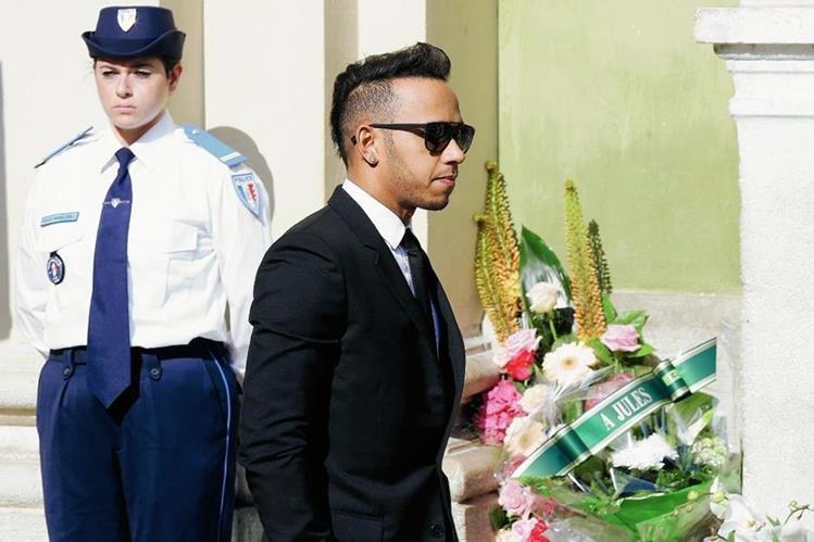 El británico se hizo presente en la despedida de Bianchi el martes. (Foto Prensa Libre: AP)