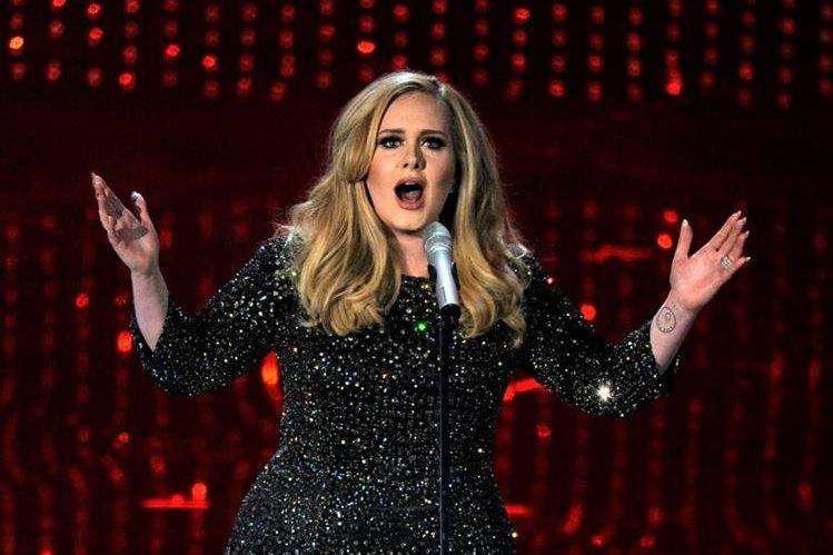 La cantante británica Adele es la artista que vendió más discos en 2015. (Foto Prensa Libre: AP)