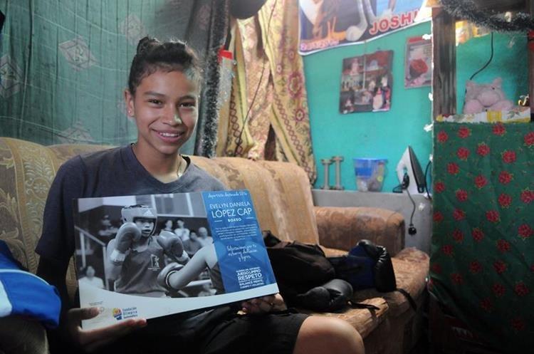 López admira al reconocido boxeador Manny Pacquiao. (Foto Prensa Libre: Jeniffer Gómez)