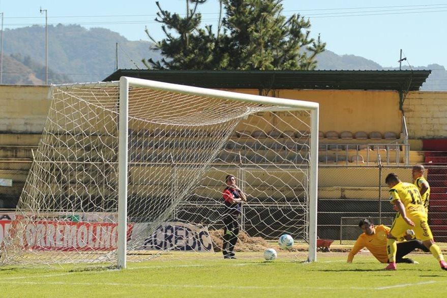 Marquense tuvo un partido tranquilo en su casa. (Foto Prensa Libre: Aroldo Marroquín)