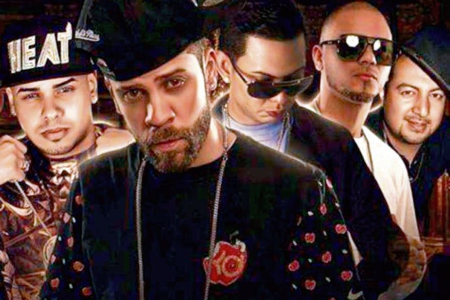 Kartagena ha  colaborado con artistas puertorriqueños.