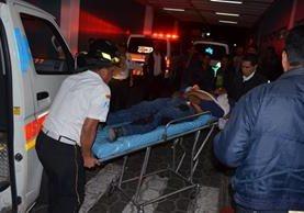 Dos hombres murieron baleados esta noche en la colonia Las Arcadias, San Juan Sacatepéquez. (Foto Prensa Libre: CBV)