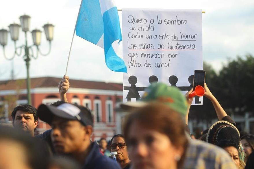 Guatemaltecos protestaron para exigir justicia por las víctimas del incendio. (Foto Prensa Libre: HemerotecaPL)
