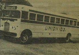 Autobús de empresa Unión de una flotilla de 1960. (Foto: Hemeroteca PL)