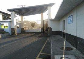 Los familiares de Jimmy Morales están recluidos en la cárcel ubicada en el cuartel de Matamoros. (Foto Prensa Libre: Hemeroteca PL)