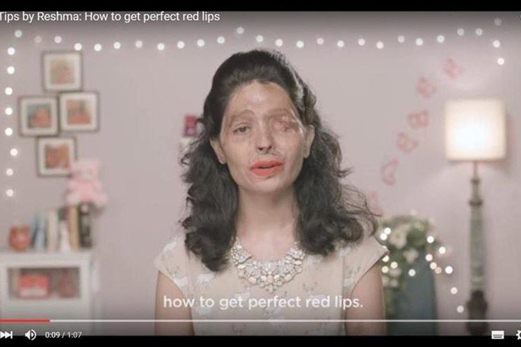 Reshma es una joven india que es la protagonista del tutorial de maquillaje. (Foto Prensa Libre: Tomada de Youtube).