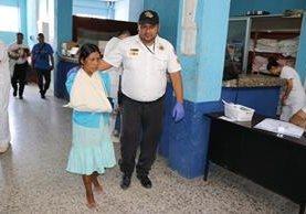 Mirian Ramírez López fue asistida en el hospital de Chiquimula.(Foto Prensa Libre: Mario Morales.)