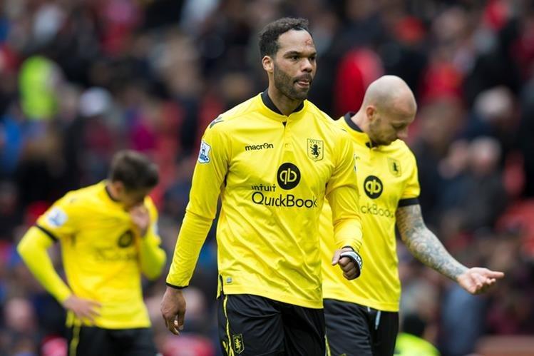 El Aston Villa sufrió la pesadilla del descenso este sábado en la Premier League. (Foto Prensa Libre: AP)