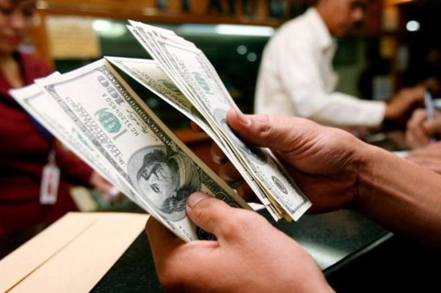 El dólar tiene un equilibrio en el costo por quetzal. (Foto Prensa Libre: Hemeroteca PL)