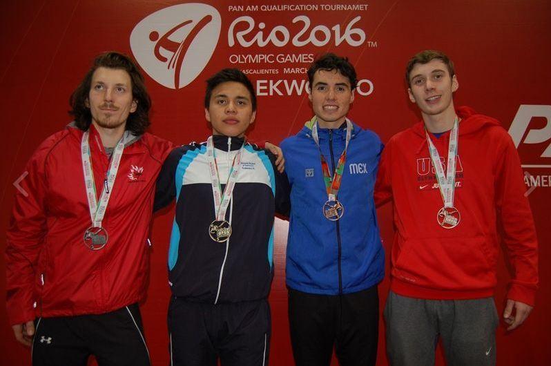 Foto oficial de los medallistas en el abierto de taekuondo de México. (Foto femextkd).