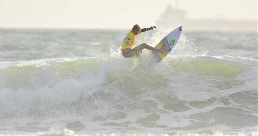 Zander Venezia la joven promesa del surf fallece en pleno huracán Irma. (Foto tomado de redes sociales)