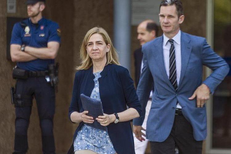 La Infanta Cristina (al frente) en una imagen de junio del 2016. (Foto Prensa Libre: EFE).
