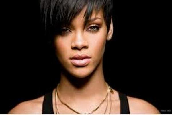 <p>Rihanna volvió con su ex-novio Chris Brown<br><br></p>