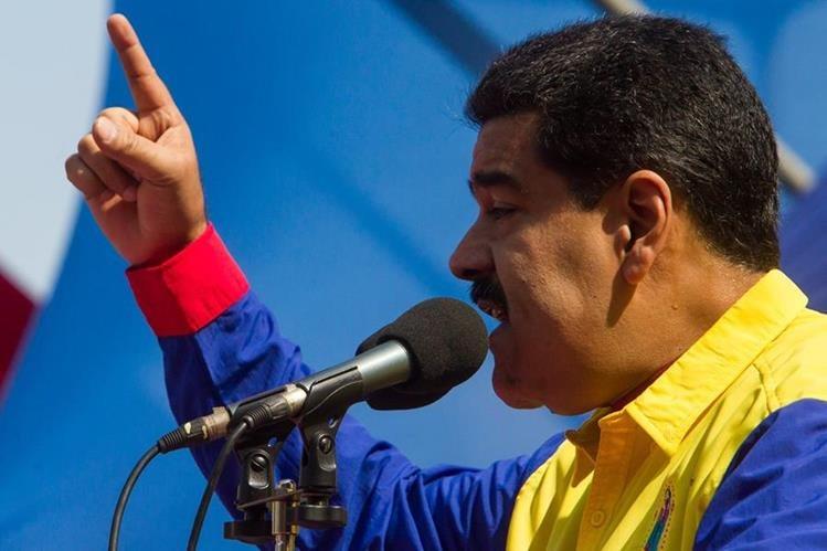 Presidente venezolano dijo que medida aplica a los trabajadores del Estado. (Foto Prensa Libre: EFE)