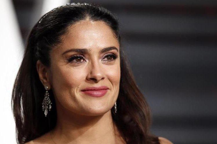 La actriz Salma Hayek experimentó un episodio de acoso sexual durante una alfombra roja en el 2012. (Foto Prensa Libre: La Vanguardia).