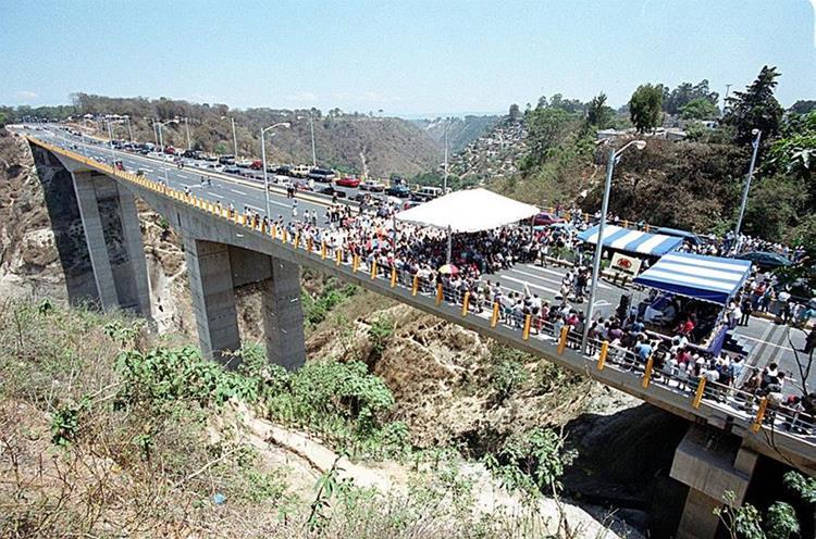 Este puente se ha convertido en uno de los más transitados del país.