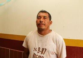 Marvin Geovanny Maldonado López es aprehendido por las fuerzas de seguridad en la cabecera de Retalhuleu (Foto Prensa Libre: Rolando Miranda)