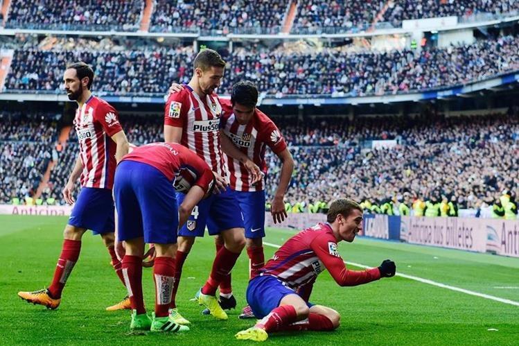 El Atlético de Madrid consiguió una valiosa victoria frente al Real Madrid. (Foto Prensa Libre: EFE)