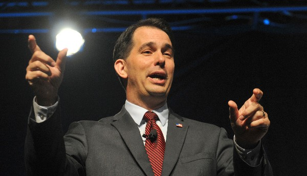 Scott Walker abandona la carrerra presidencial republicana.