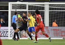 """Polémica eliminación de la """"canarinha"""" frente a Perú en la Copa América."""