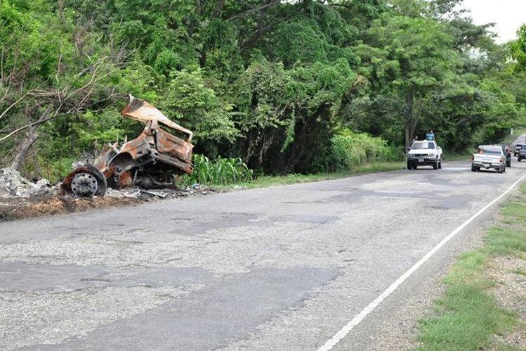El pasado 7 de septiembre el vehículo chocó de frente contra un tráiler. (Foto Prensa Libre: Mario Morales)