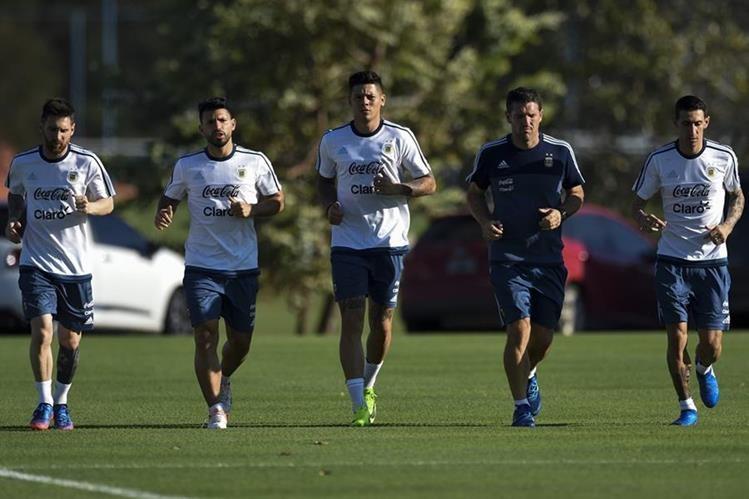 Lionel Messi tiene la misión de guiar a Argentina a una victoria en la altura de La Paz, Bolivia. (Foto Prensa Libre: AFP).