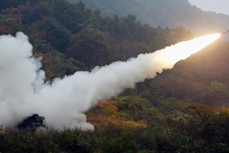 Corea del Norte avanza en su programa de misiles al lanzar el nuevo Musudan.(Foto Prensa Libre:AFP).