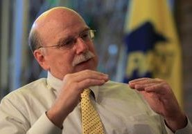 Es empresario desde hace 40 años, pero decidió involucrarse en la política. (Foto Prensa Libre: Edwin Bercián)