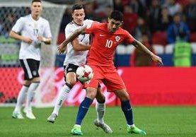 El chileno Pablo Hernández ha sido de los titulares indiscutibles en la selección roja en la Copa Confederaciones. (Foto Prensa Libre: AFP)