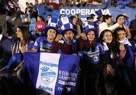 La afición cobanera asistió con mucha emoción al estadio Verapaz