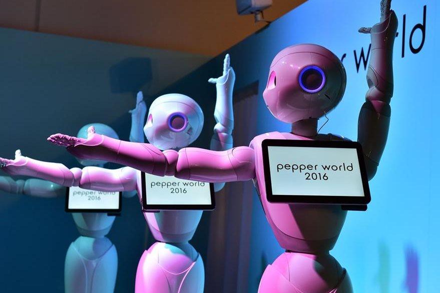 El robot tiene una altura de 1.20 metros (Foto Prensa Libre: AFP).