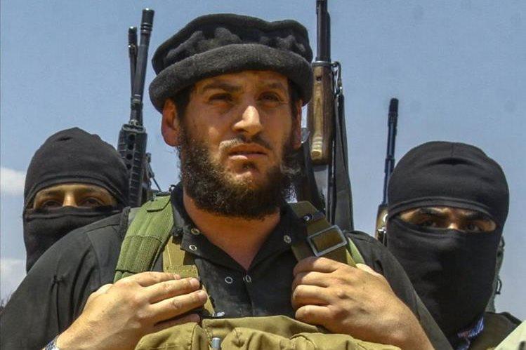 Una fotografía sin fecha muestra al portavoz del EI, Abu Mohamed Al-Adnani, quien murió en un bombardeo estadounidense en Alepo. (Foto Prensa Libre: AFP).