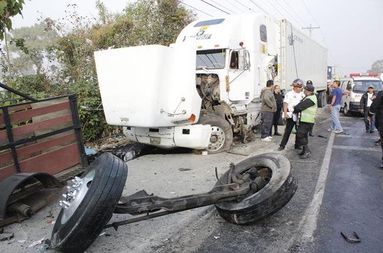 Las carreteras de Guatemala son escenario de frecuentes de accidentes de vehículos de carga. (Foto Hemeroteca PL)