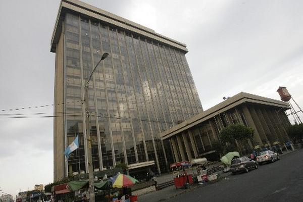 <p>Ministerio de Finanzas distribuye los recursos para el gasto público (Foto. Archivo. Prensa Libre).<br></p>