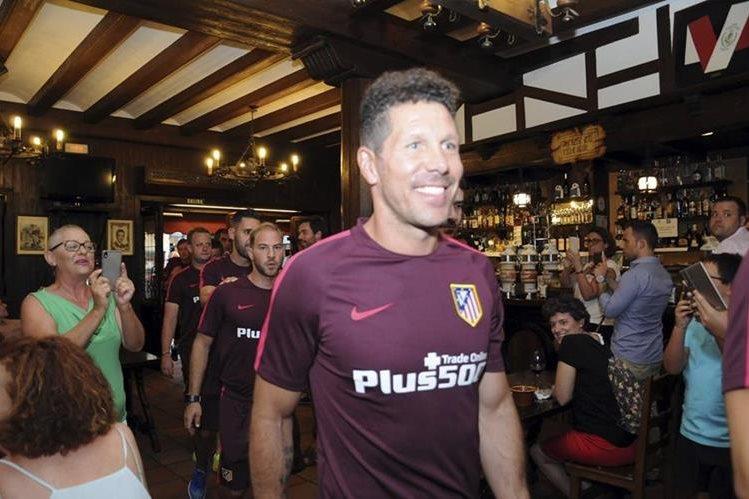 Diego Simeone y su equipo se encuentran concentrados en Los Ángeles de San Rafael en Segovia. (Foto Prensa Libre: EFE)