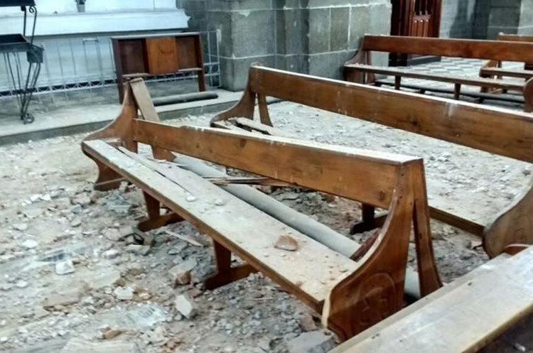 Daños de la Catedral de los Altos, en Quetzaltenango,  por el temblor de este 14 de junio del 2017. (Foto Prensa Libre: Carlos Ventura)