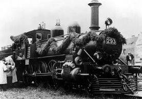 La locomotora que haló los vagones en los que Vladimir Ilitch Oulianov viajó fue un regalo de Finlandia. GETTY IMAGES