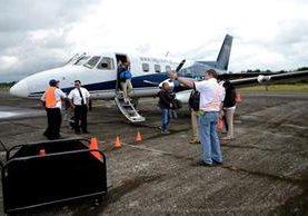 Los pasajeros podrán viajar todos los días a Puerto Barrios. (Foto Prensa Libre: Dony Stewart)