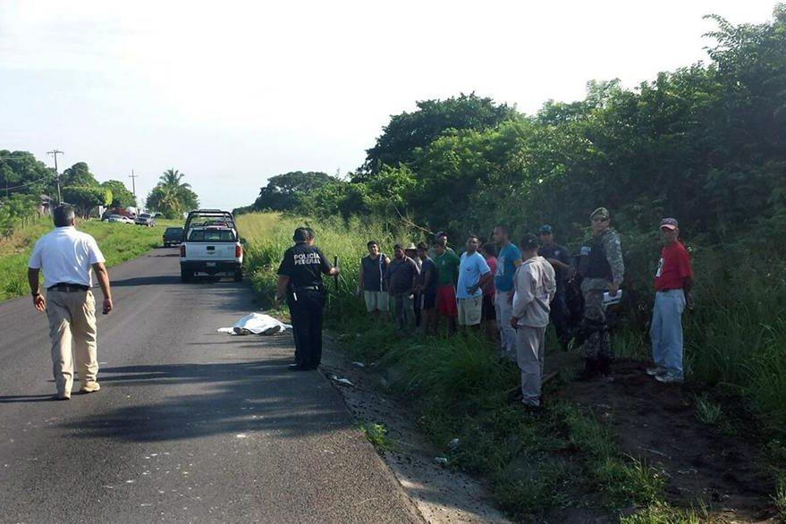 El accidente se registró la noche del miércoles última en la zona costera central de Veracruz. (Foto Prensa Libre: EFE).