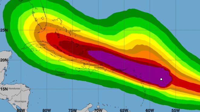 Los vientos más fuertes afectarán a los países caribeños de las Antillas. (CENTRO NACIONAL DE HURACANES DE EE.UU.)