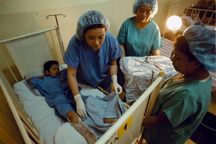 En caso de una quemadura, se debe llevar de inmediato al médico al afectado. (Foto Prensa Libre: Hermoteca PL)